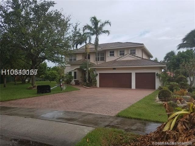5 Bedrooms, Stirling Dykes Rental in Miami, FL for $4,100 - Photo 1