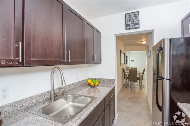 1 Bedroom, Altos Del Mar South Rental in Miami, FL for $1,650 - Photo 2
