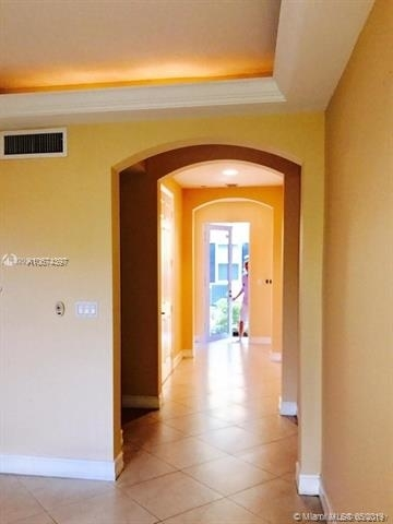 2 Bedrooms, South Middle River Rental in Miami, FL for $2,350 - Photo 2