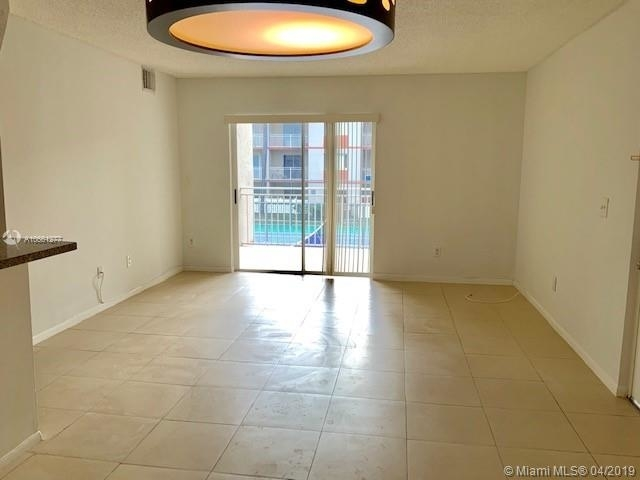 2 Bedrooms, Country Lake Rental in Miami, FL for $1,600 - Photo 1