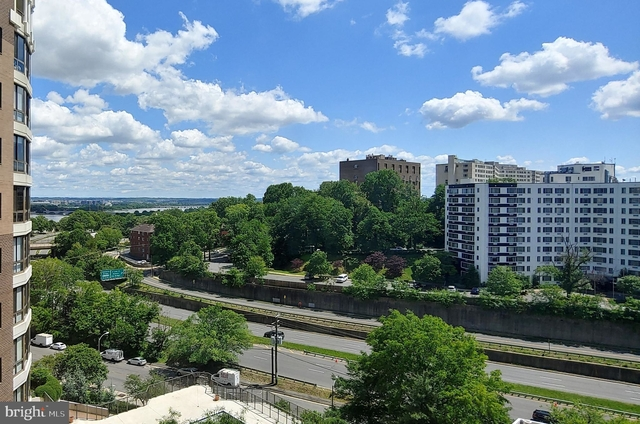 2 Bedrooms, Radnor - Fort Myer Heights Rental in Washington, DC for $3,295 - Photo 1