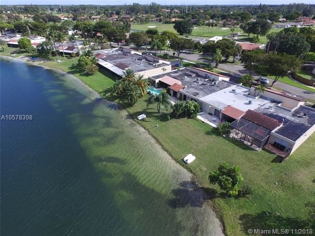 3 Bedrooms, Royal Singapore Lake Rental in Miami, FL for $2,450 - Photo 2