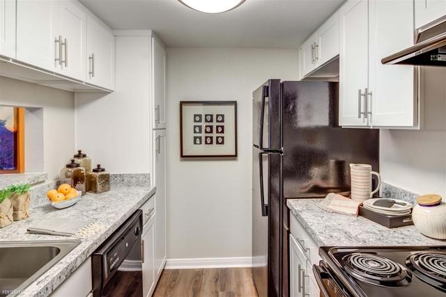 1 Bedroom, Barkley Square South Rental in Houston for $732 - Photo 2