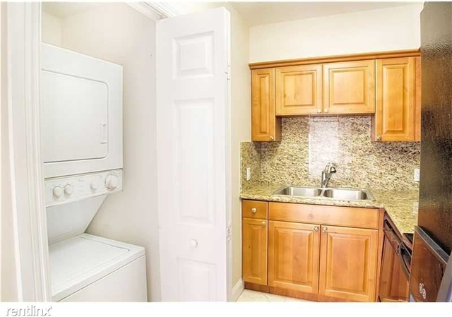 1 Bedroom, Coral Gables Section Rental in Miami, FL for $1,700 - Photo 2