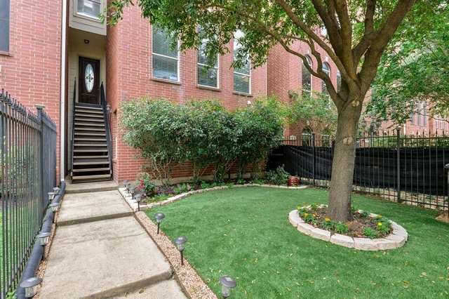 2 Bedrooms, Second Ward Rental in Houston for $2,600 - Photo 2