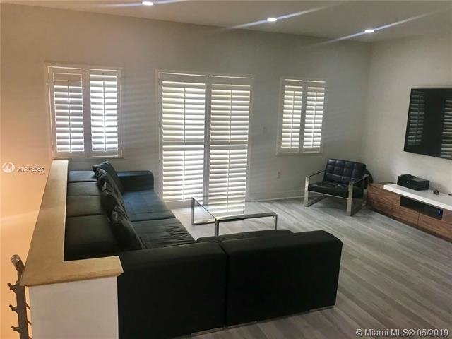 3 Bedrooms, Coral Gables Section Rental in Miami, FL for $3,400 - Photo 2