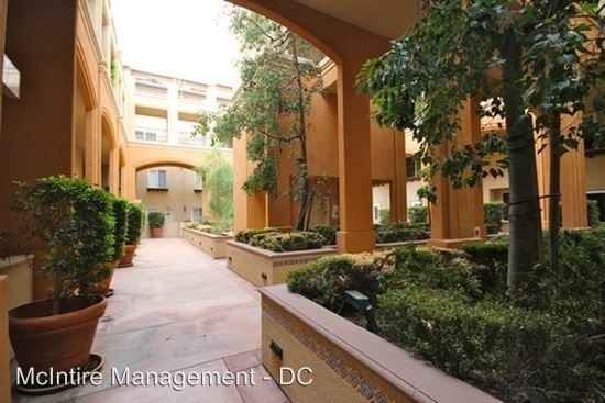 1 Bedroom, Playhouse District Rental in Los Angeles, CA for $2,150 - Photo 2