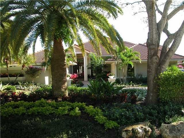5 Bedrooms, Admiral's Cove Rental in Miami, FL for $38,000 - Photo 2