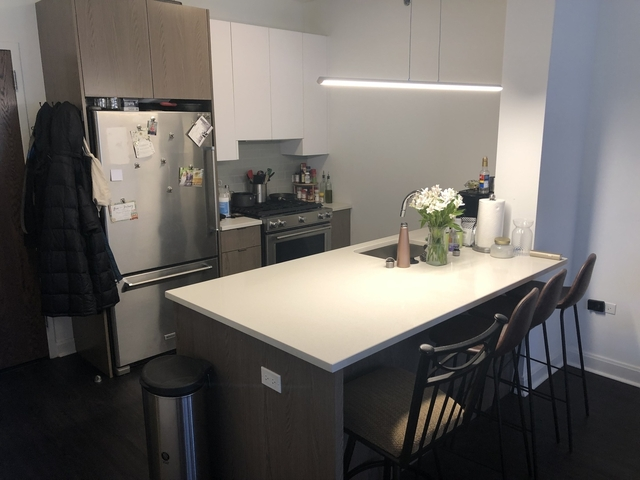1 Bedroom, Wrightwood Rental in Chicago, IL for $2,600 - Photo 2