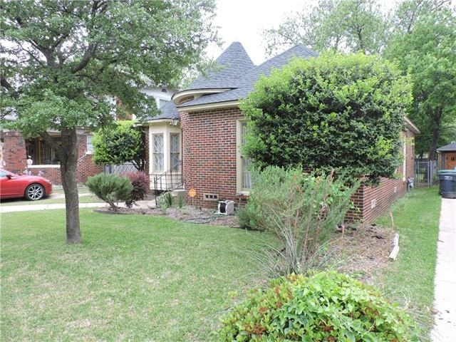 2 Bedrooms, Fairmount Rental in Dallas for $2,400 - Photo 2