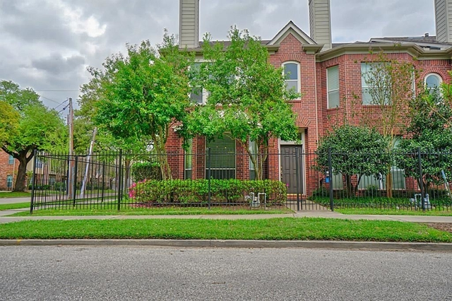 2 Bedrooms, Midtown Rental in Houston for $2,300 - Photo 1