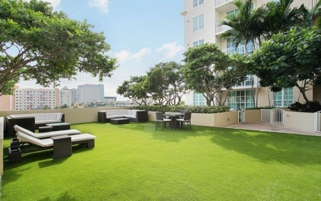 2 Bedrooms, Downtown West Palm Beach Rental in Miami, FL for $2,088 - Photo 2