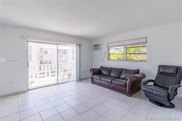 1 Bedroom, Flamingo - Lummus Rental in Miami, FL for $1,375 - Photo 2