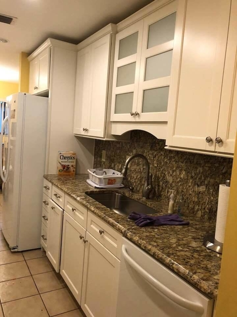 3 Bedrooms, The Fountains Country Club Rental in Miami, FL for $3,400 - Photo 2