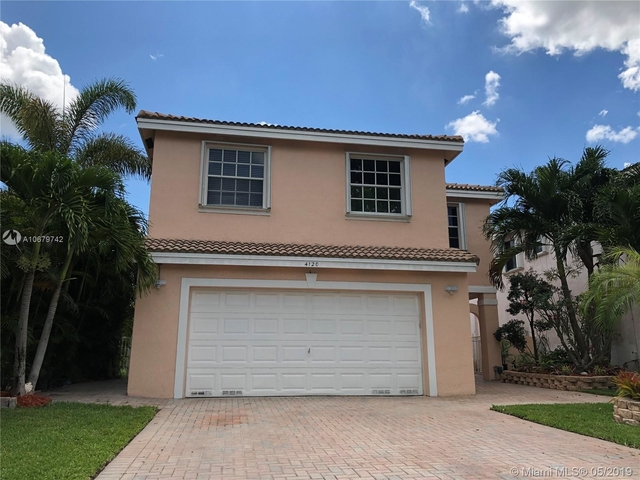 4 Bedrooms, Stirling Meadows Rental in Miami, FL for $3,300 - Photo 1
