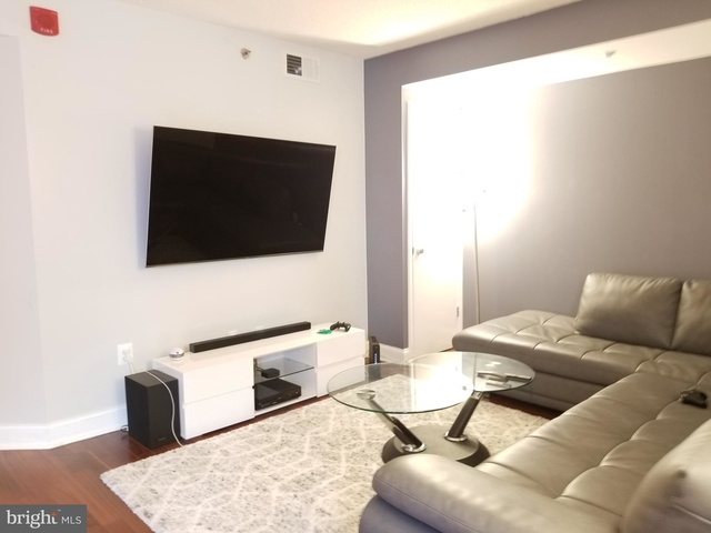 2 Bedrooms, Downtown - Penn Quarter - Chinatown Rental in Washington, DC for $3,299 - Photo 2