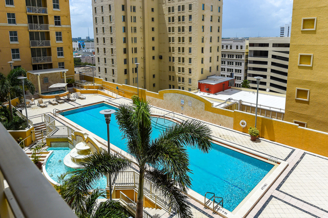 2 Bedrooms, Downtown West Palm Beach Rental in Miami, FL for $2,200 - Photo 2