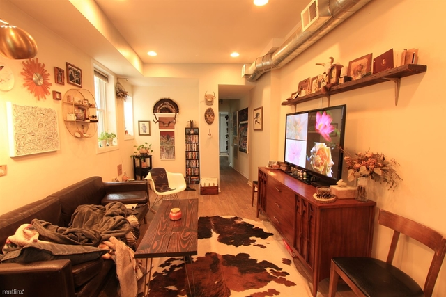 1 Bedroom, Palmer Square Rental in Chicago, IL for $1,350 - Photo 2