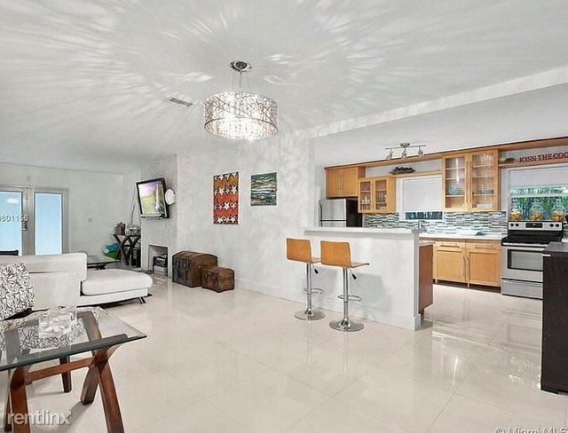3 Bedrooms, Beach View Rental in Miami, FL for $4,000 - Photo 1