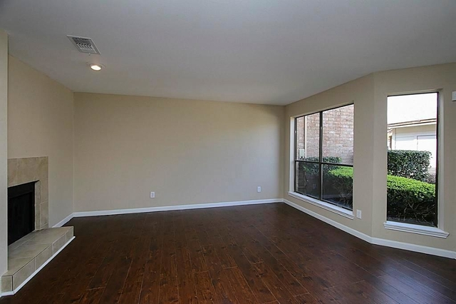 2 Bedrooms, Westmount Square Townhouses Rental in Houston for $1,590 - Photo 1