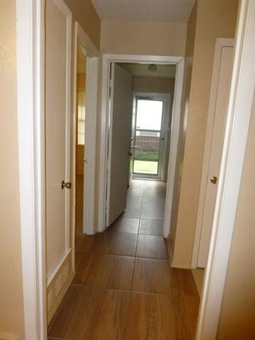 2 Bedrooms, College Manors Rental in Dallas for $1,060 - Photo 2