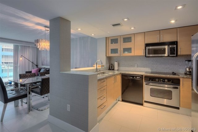 1 Bedroom, Millionaire's Row Rental in Miami, FL for $2,400 - Photo 2