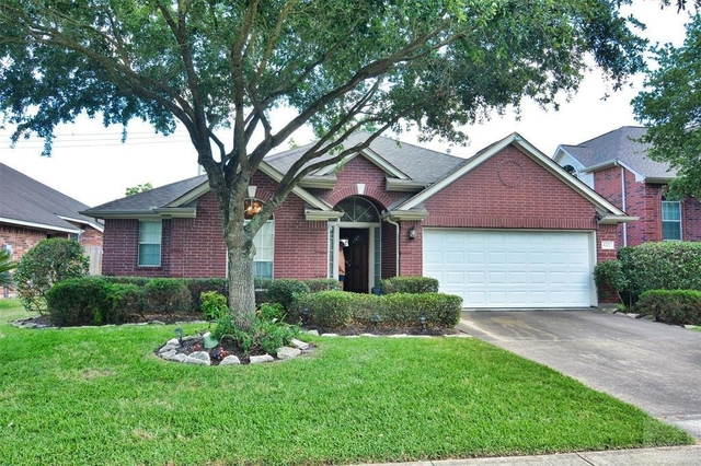 3 Bedrooms, Clear Brook Meadows Rental in Houston for $1,725 - Photo 1