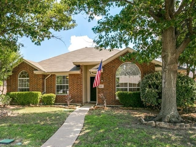 3 Bedrooms, Preston Lakes Rental in Dallas for $1,695 - Photo 2