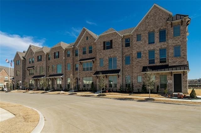 3 Bedrooms, Castle Hills Rental in Dallas for $2,700 - Photo 1