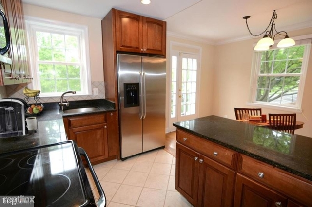 2 Bedrooms, Fairlington Condominiums Rental in Washington, DC for $3,100 - Photo 2