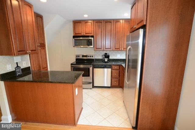 2 Bedrooms, Fairlington Condominiums Rental in Washington, DC for $3,100 - Photo 1