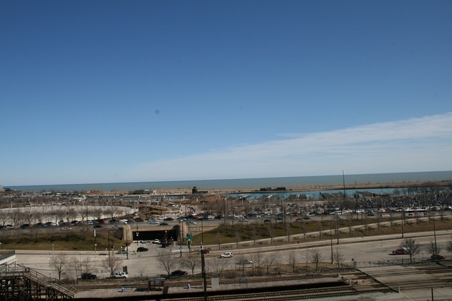 2 Bedrooms, Prairie District Rental in Chicago, IL for $2,795 - Photo 2