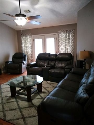 4 Bedrooms, Highland Meadows North Rental in Dallas for $1,850 - Photo 2
