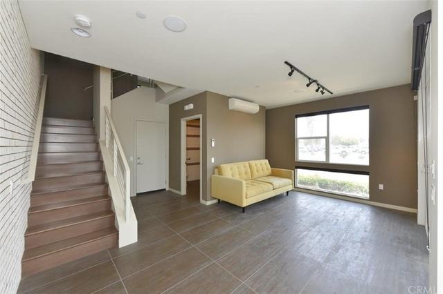 3 Bedrooms, Westside Costa Mesa Rental in Los Angeles, CA for $4,500 - Photo 2