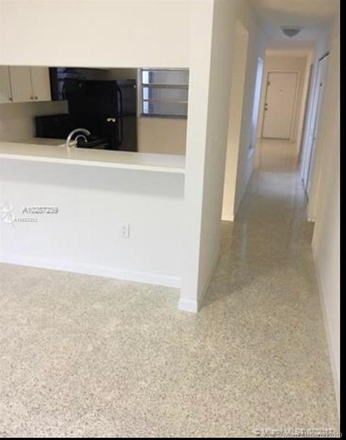3 Bedrooms, Pomelo Park Rental in Miami, FL for $2,300 - Photo 2