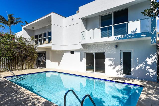 4 Bedrooms, Orange Grove Park Rental in Miami, FL for $40,000 - Photo 2