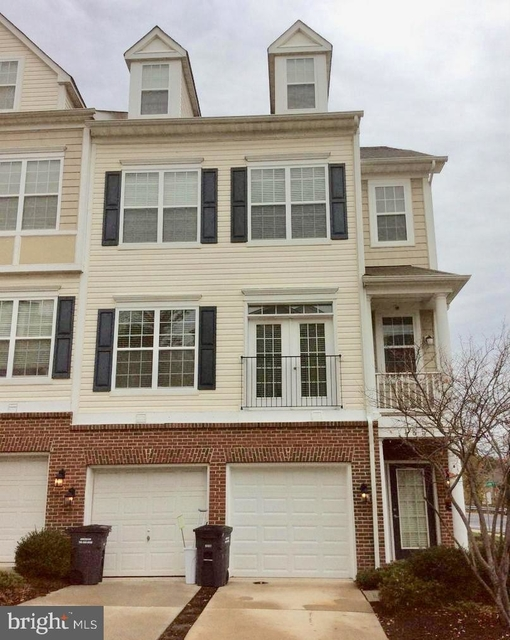 3 Bedrooms, The Commons on William Square Condominiums Rental in Washington, DC for $1,690 - Photo 1