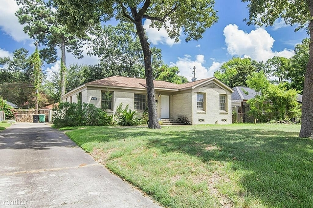 3 Bedrooms, Silverdale Rental in Houston for $1,950 - Photo 1