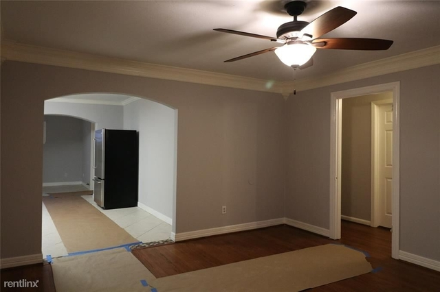 3 Bedrooms, Silverdale Rental in Houston for $1,650 - Photo 2