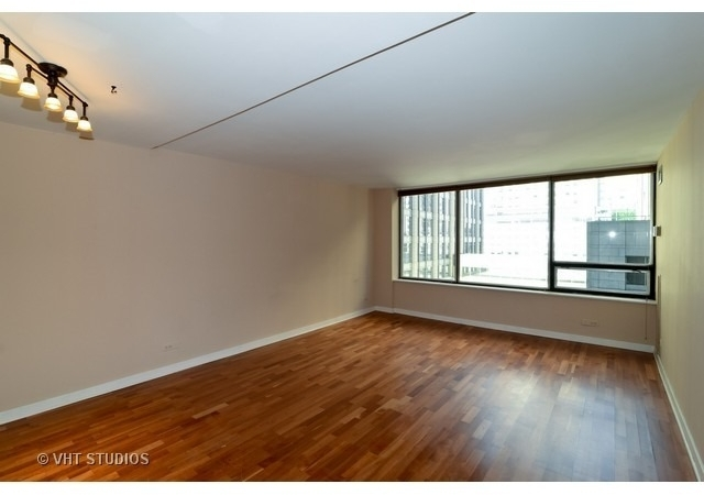1 Bedroom, Gold Coast Rental in Chicago, IL for $1,600 - Photo 2