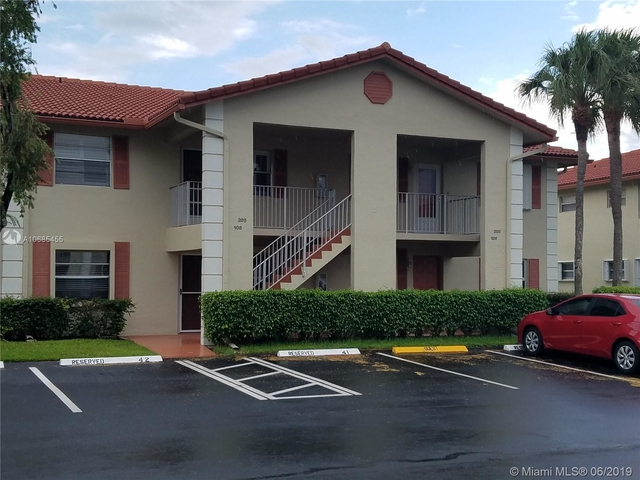 2 Bedrooms, Golfside Condominiums Rental in Miami, FL for $1,290 - Photo 1