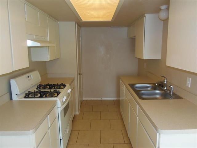 2 Bedrooms, Frisco Rental in Dallas for $1,875 - Photo 2