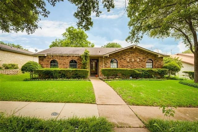 3 Bedrooms, Highland Meadows Rental in Dallas for $2,100 - Photo 2