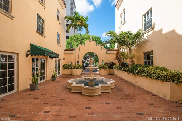 3 Bedrooms, Coral Gables Section Rental in Miami, FL for $2,700 - Photo 2