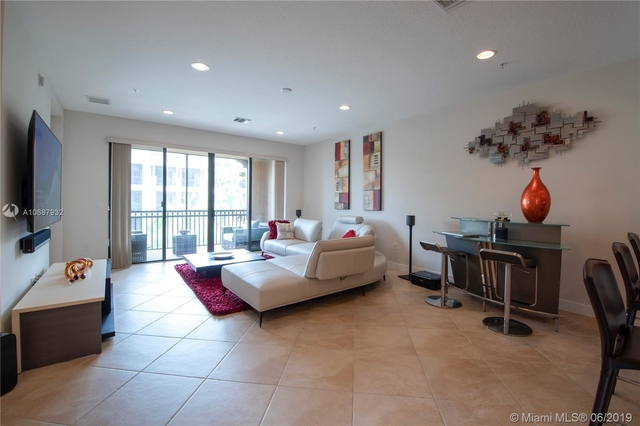 2 Bedrooms, Sawgrass Lakes Rental in Miami, FL for $2,450 - Photo 2