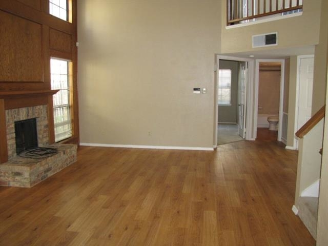 2 Bedrooms, Old Mill Court Rental in Dallas for $1,495 - Photo 2