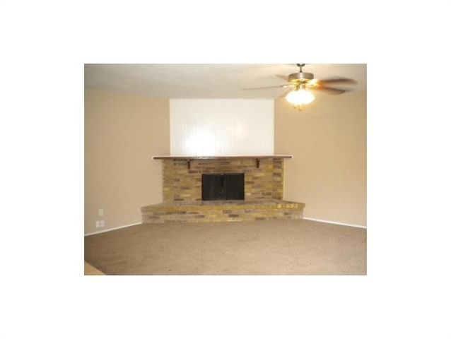 3 Bedrooms, The Colony Rental in Dallas for $1,275 - Photo 2