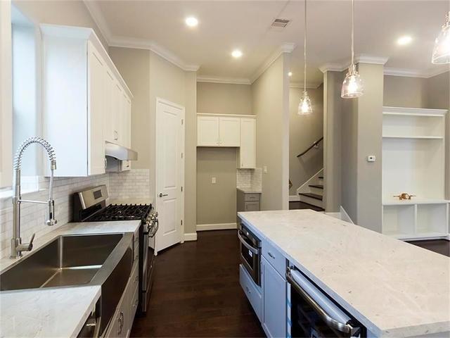3 Bedrooms, Midtown Rental in Houston for $3,000 - Photo 2