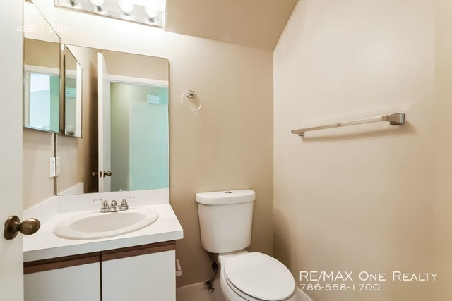 4 Bedrooms, Forest Ridge Rental in Miami, FL for $2,745 - Photo 2