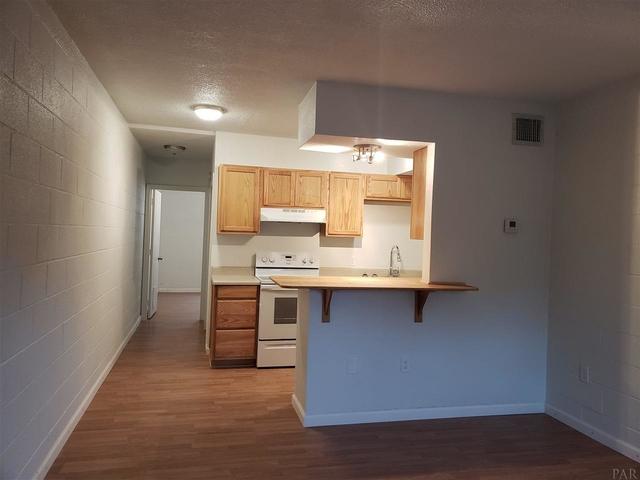 1 Bedroom, Southeast Pensacola Rental in Pensacola, FL for $695 - Photo 2